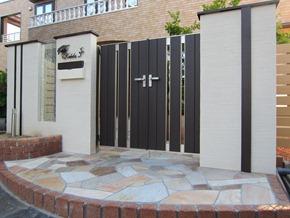 門扉のある門柱314