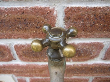 Brickwork Washbasin faucet