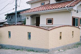お客様ぜ工の塗り塀