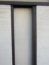 門柱の壁に凹凸