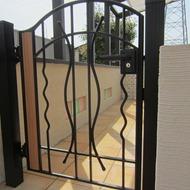 ココマテラスにアルミ鋳物門扉