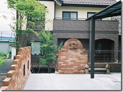 レンガで作る門柱
