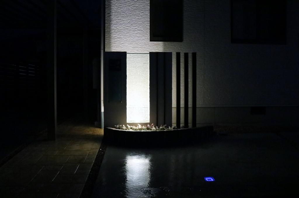 ライティングの門柱