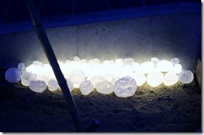 玄関ポーチ前の花壇を照らすリコストーン&LEDテープ