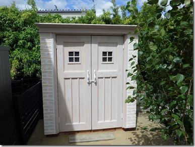 dea's shed