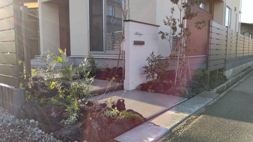 門柱 植栽