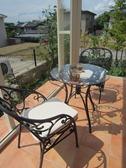 ガーデンルーム フェリアⅡの床テイル貼り