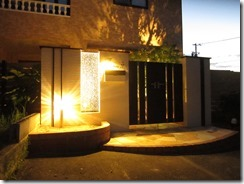 門扉のある門柱のライティング