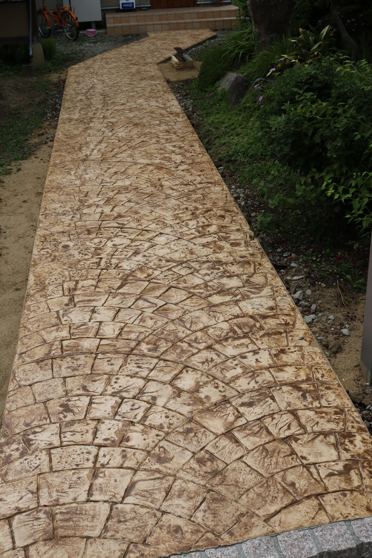 通路のスタンプコンクリート