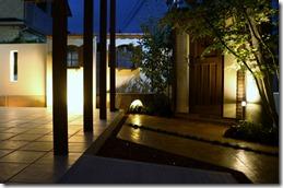 中庭のエクステリア照明