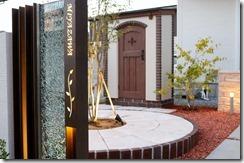 オリジナル門柱から見える可愛い物置カンナキュート1021